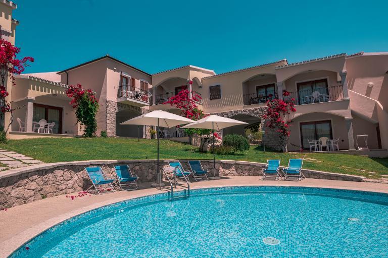 """Sardegna C.A.V. Residence  """"Badus"""" - Badesi"""